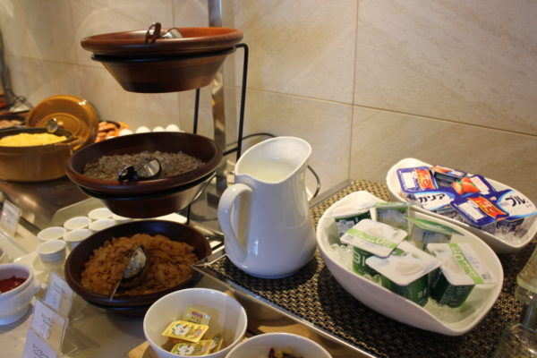 横浜ロイヤルパークホテル クラブフロア 朝食 部屋